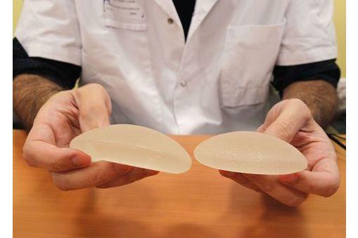 implants-mammaires-defectueux-infos-pratiques-en-10-questions